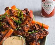 9_Spice_Chicken_Wings_with_White_Barbecue_Sauce_03